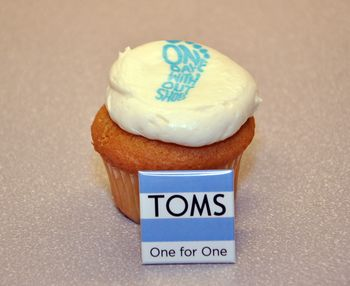 One_Day_Without_Shoes_Cupcake