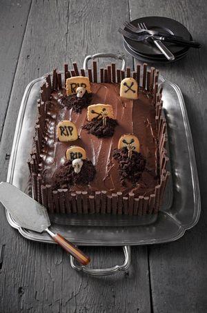 Graveyard Cake_CL
