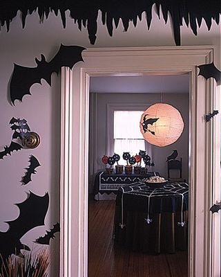 Halloween Bat Display Ideas | BunnyCakes