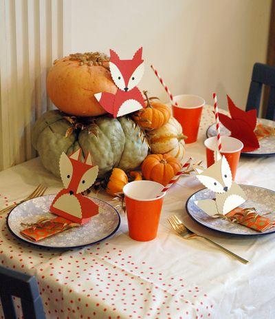 Foxy Thanksgiving Kiddie Table // BunnyCakes