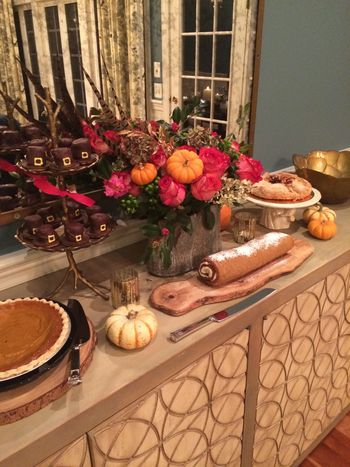 Thanksgiving Dessert Table // BunnyCakes
