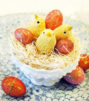 Glittered Eggs // BunnyCakes